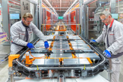 Audi Hungaria startet Serienproduktion von Elektromotoren. Foto: AUDI AG