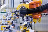 Pressebild 3 transfluid Roboterbieger web