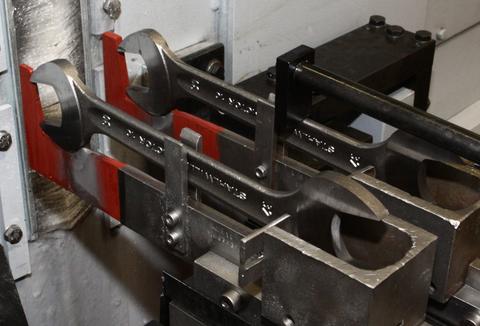 HDS-CNC: Doppelseitiger Planschliff